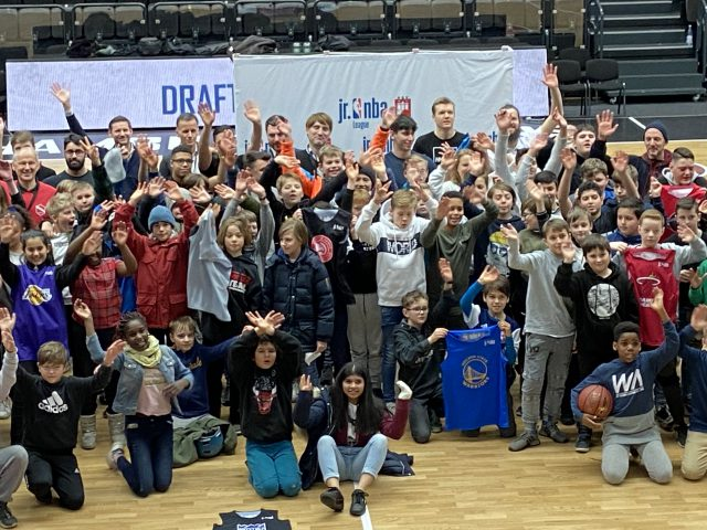 Die Jr.NBA star­tet in Ham­burg!